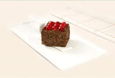 MONO CAKE WITH RASPBERRY AND CHOCOLATE